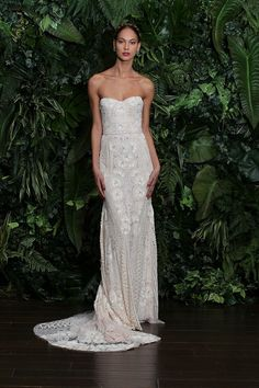 A jazzy pattern of beading and embroidery on this boho-chic Naeem Khan gown {photo: Dan Lecca}