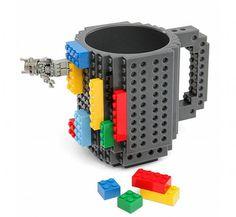 En #acQuadecarla tenemos #café para llevar y está muy rico. Lo malo es que lamentablemente no tenemos tazas de #Lego ¡que se salen!