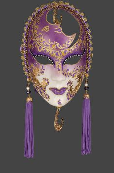 Handcrafted according to the original Venice carnival tradition.  Manufactured in Venice by the famous venetian masters. Viviane M · Maschere  Veneziane 104d1194bbb3