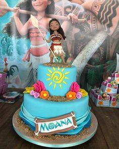 Luau Theme Party, Moana Birthday Party, Party Themes, Birthday Parties, Birthday Cake, Bolo Moana, Cake Decorating, Bolo Fake, Desserts