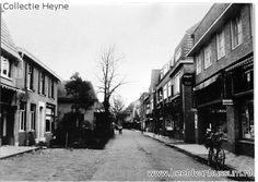 Spiegelstraat gezien vanaf de Heerenstraat voor de verbreding in 1931