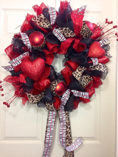 Valentine+Mesh+Wreath+by+WilliamsFloral+on+Etsy,+$79.00