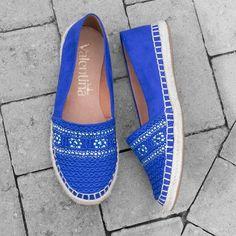 Adoro azul royal! Minha sugestão é usar essa espadrille com jeans  e t-shirt. #ValentinaFlats #shoes #fashion #loveit #loveshoes  #shoeslover #flat #sapatilha #love #shoelovers #nice #style