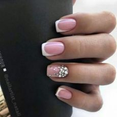 Fashion nails with rhinestone decoration top ideas and trends – Soflyme Fashion nails with rhinestone decoration top ideas and trends Sparkle Nails, Bling Nails, My Nails, Gorgeous Nails, Pretty Nails, Cute Nails, Bridal Nails, Wedding Nails, Nail Tip Designs