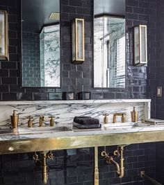 """508 Me gusta, 6 comentarios - Waterworks (@wtrwrks) en Instagram: """"Another look at @venfield_nyc's dramatic master bath with our Brasserie sconces, R.W. Atlas faucets…"""""""