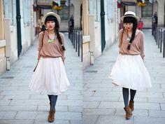 Dress Vintage, Top Kookai, Necklace Shourouk, Hat Karl Marc John, Boots Zara