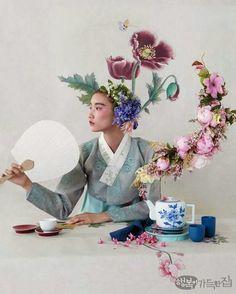 Korean Culture Fashion- Appreciate the Hanbok Korean Traditional Clothes, Traditional Fashion, Traditional Dresses, Fashion Shoot, Editorial Fashion, Editorial Photography, Fashion Photography, Modern Hanbok, Korean Dress