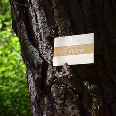 Quoi de plus commun qu'unecarte de visite? Un logo, un nom, des coordonnées… Pour être original etmarquer l'esprit de votre interlocuteur, sortez des sentiers battus et affirmez votre identité ! Voici la carte Lili Wood, qui mêle naturel et distinction.  #cartedevisite #bois #cartedevisitebois #wood #businesscard