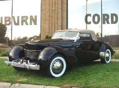 Google Image Result for http://media-cdn.tripadvisor.com/media/photo-s/01/28/1c/01/1936-cord-810-cabriolet.jpg