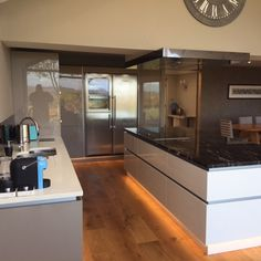 Discover real kitchens designed and installed by our network of approved studios.