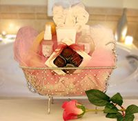 Chocolate and Flowers Bath Gift / Free Shipping    http://www.labellabaskets.com/Qstore.cgi?AID=5286