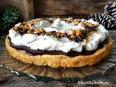 Sukkerfri snickerskake - Fra mitt kjøkken K Food, Cheesecake, Food And Drink, Pie, Keto, Desserts, Alternative, Torte, Tailgate Desserts