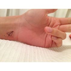 paper plane tattoo (pack of 3 tattoos) (11 DKK) ❤ liked on Polyvore featuring accessories, body art and tattoos