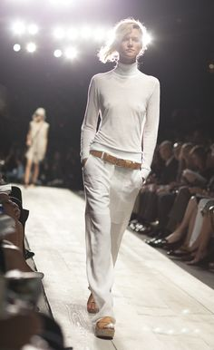 Got to LOVE the white w/worn leather accessories