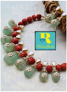 Pearl Necklace Designs, Beaded Jewelry Designs, Gold Jewellery Design, Bead Jewellery, Jewelry Patterns, Amrapali Jewellery, Gold Necklace, Gold Mangalsutra Designs, Ruby Beads