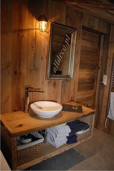 Amenagement de la salle de bain en vieux bois/ Aranżacja łazienki w starym drewnie