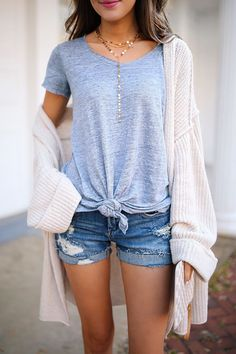 love the knotted tee, distressed jean shorts and oversized cardigan spring outfit. love the knotted tee, distressed jean shorts and oversized cardigan Simple Summer Outfits, Shorts Outfits For Teens, Casual Spring Outfits, Casual Summer Outfits Shorts, Denim Shorts Outfit Summer, Winter Outfits, 30 Outfits, Spring Fashion Outfits, College Outfits