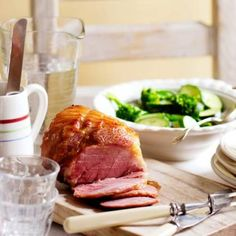 A Sunday roast is the highlight of the week and creates a wealth of leftovers for other meals. This roast Gammon with parsley sauce is bound to delight. Baked Gammon, Roast Gammon, Gammon Recipes, Pork Recipes, Roast Dinner, Sunday Roast, Roast Pork Dishes, Parsley Sauce Recipes, Best Ham Recipe
