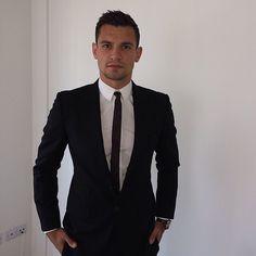 Dejan Lovren Dejan Lovren, World Cup 2018, Work Attire, Fifa, Mens Suits, Croatia, Suit Jacket, Football, Blazer