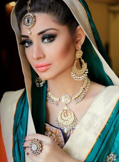 Jewelry by:Anum Yazdani Beautiful luscious lips on this Lovely Indian bride lovely face Beautiful