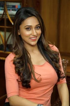 Mimi Chakraborty father Somesh Chakraborty and her mother Tapashi Chakraboty. Mimi is a hot actress in Tallywood film. She is abrilliant ac...