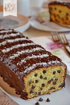 plumcake cocco e cioccolato (6) Sweet Recipes, Cake Recipes, Torte Cake, Plum Cake, Small Cake, Gingerbread Cake, Sweet Cakes, Quiches, Sweet Bread