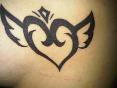 """""""Sleeping Knights"""" Logo of a guild from a anime called Sword Art Online, made me happy to see it again and I kind of want it Body Art Tattoos, Tribal Tattoos, Knight Logo, Sword Art Online, Knights, Tatting, Selfie, Drawings, Draw"""