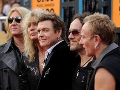 Def Leppard - Great picture of all the guys.