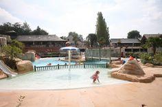 Parc aquatique, camping, hôtel, cabanes dans les arbres, cabanes sur l'eau, domaine des ormes, activités, loisirs, animation, nature, vacances, séjour, bretagne