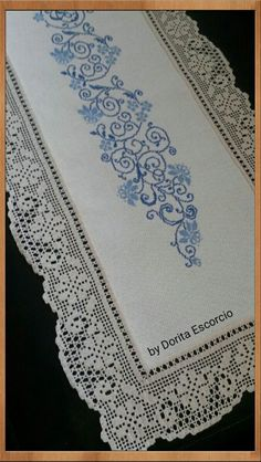 Filet Crochet Charts, Crochet Borders, Crochet Patterns, Lace Doilies, Crochet Doilies, Crochet Lace, Crochet Table Runner, Crochet Tablecloth, Vintage Crochet