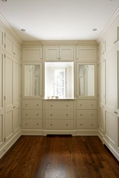 Williamsburg Colonial • Projects • 3north | Closet