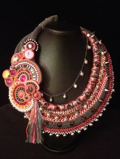 "collier Haute-couture, plastron, collection KOKO "" Pink'hindi  2 """