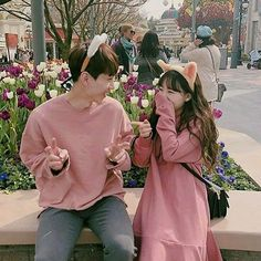 Image about love in ulzzang couple by tropical_a Couple Ulzzang, Ulzzang Korean Girl, Cute Korean Girl, Matching Couple Outfits, Matching Couples, Cute Couples Goals, Couple Goals, Poses, Korean Best Friends