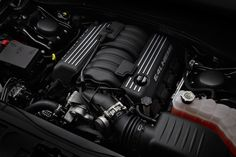 2012 Chrysler 300 SRT - The new 6.4, pure badass!