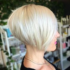 Stacked Sleek White Blonde Bob - 100 Mind-Blowing Short Hairstyles for Fine Hair - The Trending Hairstyle - Page 39 Short Stacked Bob Haircuts, Best Bob Haircuts, Choppy Bob Hairstyles, Bob Haircuts For Women, Bob Hairstyles For Fine Hair, Short Hair Cuts, Short Hair Styles, Short Stacked Bobs, Angled Bobs