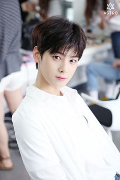 [ASTRO's second Mini Album. Photos behind the scenes from Music shows promotions] Astro Eunwoo, Cha Eunwoo Astro, Korean Men, Korean Actors, K Pop, Park Jin Woo, Park Jinyoung, Lee Dong Min, Astro Fandom Name