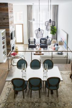 A Mix Of Traditional, Rustic, And Eclectic Decor Make This Open Floor Plan  Condo. Home Design ...