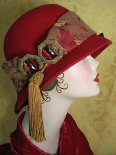 Vintage 1920's hat. Good idea to use more than ribbon