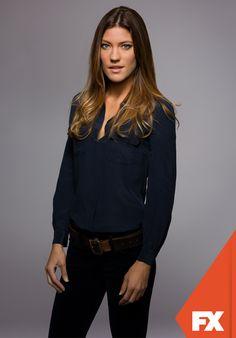 """Jennifer Carpenter é """"Debra Morgan"""".   Dexter - Nova temporada, domingos às 23h   #DexterBR Confira conteúdo exclusivo no www.foxplay.com"""