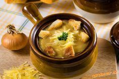 Soup for 2 people. Take 2 slices or more of bread, cut them into cubes and fry them on butter light. Czech Recipes, Ethnic Recipes, Modern Food, French Onion, Calories, Cheeseburger Chowder, Entrees, Good Food, Vegetarian