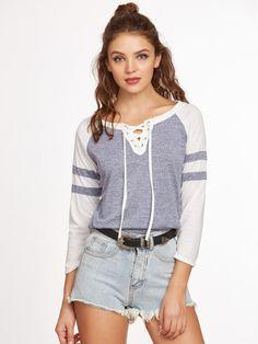 Camiseta de manga raglán con cordones y bajo redondeado