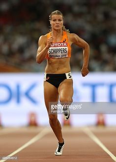 Dafne Schippers of the Netherlands competes in the Women's 100 metres semi-final during day three of the IAAF World Athletics Championships Beijing 2015 at Beijing National Stadium on August Get premium, high resolution news photos at Getty Images Fit Black Women, Fit Women, Dafne Schippers, Vaquera Sexy, Female Pose Reference, World Athletics, Beijing Olympics, Beautiful Athletes, Gymnastics Girls