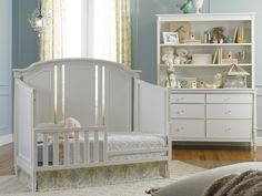 Dolce Babi | Bella Collection Toddler Bed   Snow White Finish (Room Color:  Sherwin · Baby Girl ...
