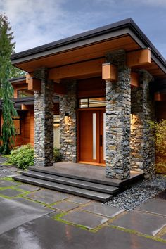 Image discovered by Vogue Première. Find images and videos about excellence on We Heart It - the app to get lost in what you love. Modern Entrance Door, Entrance Design, House Entrance, Door Design, Exterior Design, House Front Design, Modern House Design, Prairie Style Houses, Suburban House
