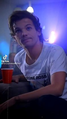 One Direction Edits, One Direction Louis, One Direction Pictures, Waterloo Road, Canciones One Direction, Lou Williams, X Factor, Harry Styles Concert, Louis Tomilson