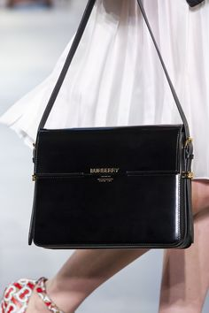 100 bags we want from the spring/summer 2019 catwalks - Spring 2019 bag trends . - 100 bags we want from the spring/summer 2019 catwalks – Spring 2019 bag trends – The 100 best - Fall Handbags, Cheap Handbags, Burberry Handbags, Handbags On Sale, Fashion Handbags, Purses And Handbags, Fashion Bags, Handbags Online, Burberry Bags