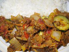 Compassionate Cooking: Vegan Lentil & Vegetable Chilli Vegan Recipes Easy, Kung Pao Chicken, Lentils, Pork, Beef, Vegetables, Cooking, Ethnic Recipes, Easy Vegan Recipes