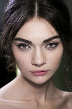 Dolce & Gabbana Beauty A/W '14, strong brows and soft pink lips.