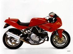 The 1995 Ducati 900SS has, at its heart, an air-cooled, four-stroke, 904cc, 90-degree V-Twin powerhouse that was mated to a six-speed...