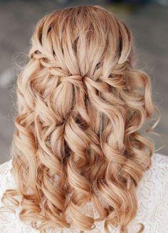 coiffure mariage tresse diadème cheveux long bouclés